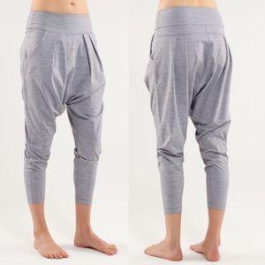 Lululemon Happy Hatha Crop Haren Pants Grey Size 4